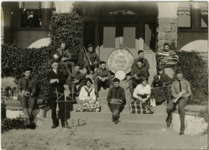 Cal Poly Mustang Band in 1916